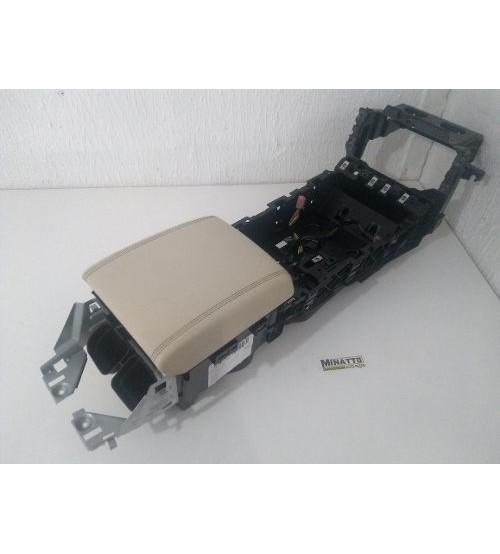 Apoio E Console De Braço Central Jaguar Xf 2013